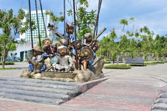 Sculpture of the Lumads of Davao
